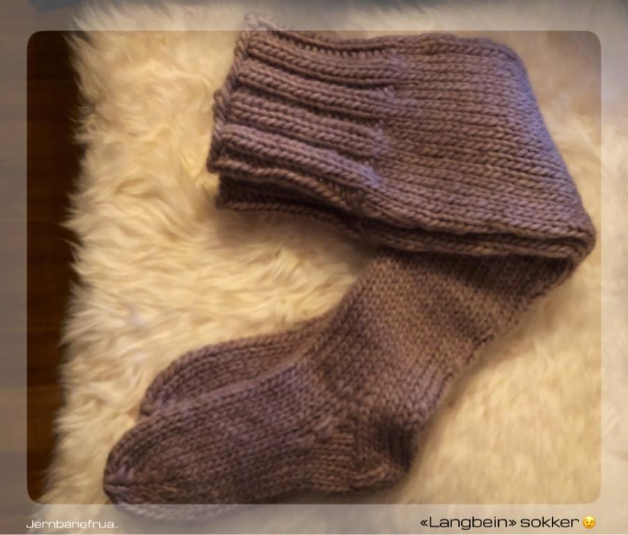 lange strikkede sokker