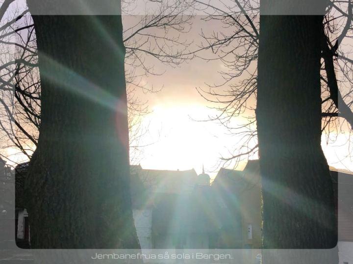 jernbanefrua så solen i Bergen