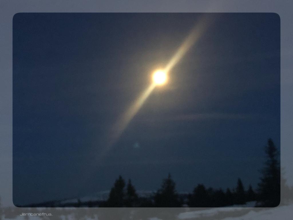 Fjellet i måneskinn