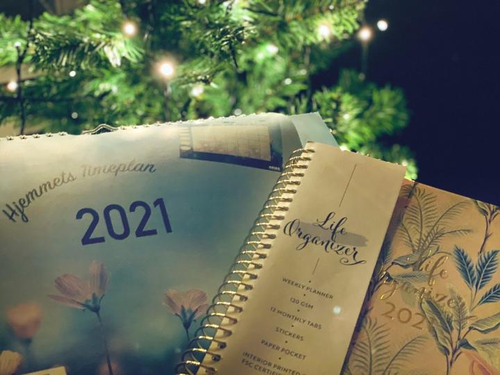 Kalender 2021. En bred anmeldelse av kalendere og almanakker for det nesteåret.