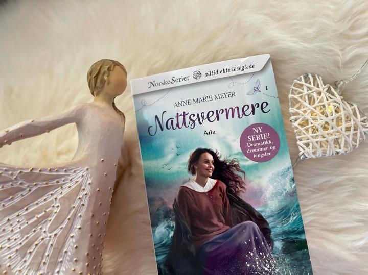 Bokanmeldelse. Nattsvermere 1. Ny serieroman av Anne MarieMeyer.